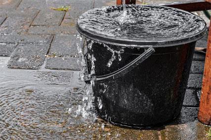 Wasserschaden - Ursachen und Versicherungsschutz